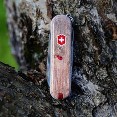 Victorinox Classic, Innovation Challenge, 2017 Design, Swiss Army Knife, Knives, Personalized Items, Creative, Instagram Posts, Ideas