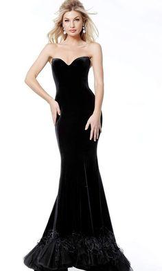 Elegant Prom Dresses, Prom Dresses For Sale, Strapless Dress Formal, Evening Dresses, Velvet Evening Gown, Cocktail Dress Prom, Evening Cocktail, Trumpet Dress, Strapless Sweetheart Neckline