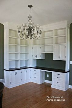 This L-shaped built-in offers lots of space and is accented by the black counter.
