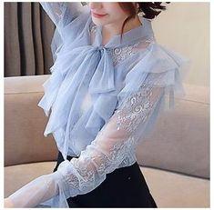 Stylish Dresses For Girls, Casual Dresses, Girls Dresses, Hijab Fashion, Korean Fashion, Fashion Dresses, Blouse Styles, Blouse Designs, Girls Fashion Clothes