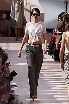 Louis Vuitton Spring 2000 Ready-to-Wear Fashion Show