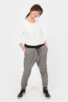Lerne mit den pattydoo Nähvideos ein cooles Outfit mit Sweathose und Shirt ganz einfach selber zu nähen!