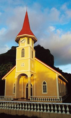 """A traditional style church at sunset in Micronesia """"paul chesley""""/National Geographic photographer National Geographic Photographers, Federated States Of Micronesia, Island Nations, I Want To Travel, Pacific Ocean, Worship, Places To Visit, United States, Calm"""