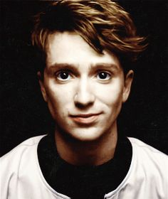 Luke Newberry, why are you cute? Luke Newberry, Angels Among Us, Remus Lupin, No One Loves Me, Crown Hairstyles, In The Flesh, Man Crush, Celebrity Crush, Beautiful People