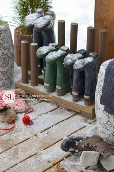 Wooden Boot Rack :: Plans to Make a Boot Organizer