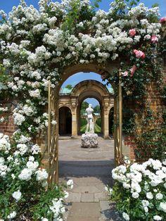 Hever Castle , Kent