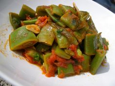 Runner Beans in Tomatoes Unique Recipes, Great Recipes, Healthy Recipes, Yummy Recipes, Healthy Food, Runner Beans, Mediterranean Dishes, Vegetable Side Dishes, Vegetable Recipes