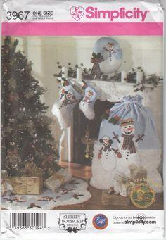 Christmas Decor Snowman Stocking Wreath Treeskirt Simplicity Pattern 3967 Uncut #Simplicity3967 #ChristmasSnowmandecor