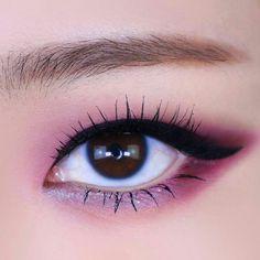 Makeup Eye Looks, Beauty Makeup, Face Makeup, Korean Eye Makeup, Asian Makeup, Unicorn Makeup, Clown Makeup, Eye Makeup Images, Learn Makeup
