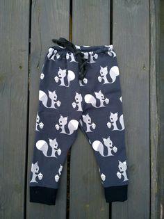 Organic cotton knit gray squirrel leggings by MayaDesignFinland Baby Boy Leggings, Summer Pants, Squirrel, Fabric Design, Organic Cotton, My Design, Gray, Boys, Fashion