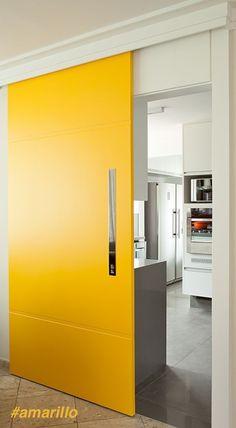 Un toque de color para las puertas de tu hogar