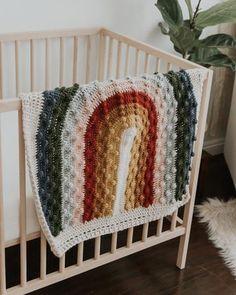 Fantastic Photographs rainbow Crochet Blanket Suggestions Rivie Rainbow Bonnet – Mama Made Minis Crochet Crafts, Crochet Projects, Sewing Projects, Crochet Home Decor, Pallet Projects, Crochet Blanket Patterns, Knitting Patterns, Crochet Blanket Kids, Modern Crochet Blanket