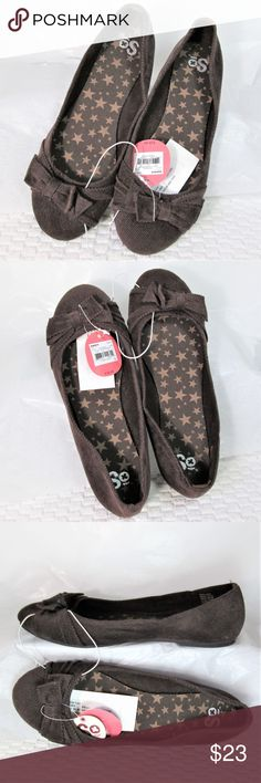 20df86d0bc8ad New! Kohl s SO  Comfy Slip On Flats Chocolate brown loafer look corduroy  flats.