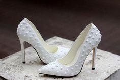 2014 European Sexy Elegant Fashion Solid Color Rivets Decorated Sharp Toe Thin Heels