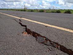 BLOG DO JOSÉ BONIFÁCIO: BR-235/PI: Trecho da estrada de Santa Filomena est...