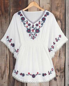 Cupshe Casual For Holiday Embroidered Top Estilo Hippie, Mexican Dresses, Classy Outfits, Nice Outfits, Embroidery Dress, Cool Sweaters, Mode Style, My Wardrobe, Blouse Designs