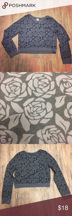 Abercrombie Rose Patterned Crop Sweatshirt Worn only a couple times, there are no rips or tears, size is large Abercrombie & Fitch Tops Crop Tops