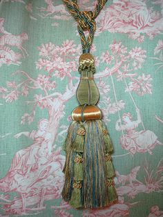 Tassel on toile...I might faint