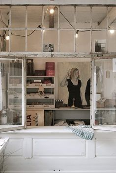 Dishfunctional Designs: Window of Opportunity: Old Salvaged Windows Get New Life As Unique Decor room divider made from old doors & windows. Love this room! You are in the right place about temp Old Windows, Windows And Doors, Vintage Windows, Casement Windows, Barn Windows, Antique Windows, Reclaimed Windows, Recycled Windows, Salvaged Doors