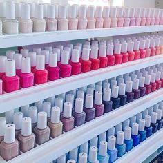nails, essie, and nail polish resmi Essie Pink Nail Polish, Nail Polish Bottles, Nail Polish Colors, Red Polish, Nail Polishes, Essie Colors, Polish Nails, Nail Art Vernis, Nail Polish Storage