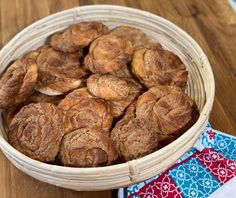Κυπριακές ταχινόπιτες | Συνταγή | Argiro.gr Food Categories, Greek Recipes, Almond, Sweet, Cyprus, Breads, Kitchens, Food Cakes, Candy