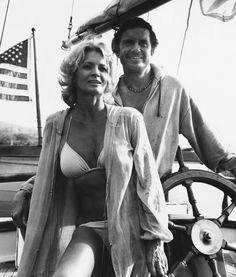 Cliff Robertson con l'attrice Angie Dickinson durante le riprese del film Overboard, 11 settembre 1978. (AP Photo)