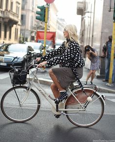leeoliveirass:  Polka Dots at Milan Fashion Week Image via leeoliveira.com