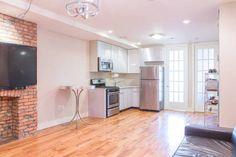 Échale un vistazo a este increíble alojamiento de Airbnb: Brooklyn Style - With a Balcony!!! - Departamentos for Rent