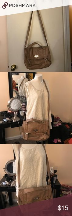 NY&Co Bag Gently worn, good condition. Barely used. Some minor wear on bottom of purse. Great Crossbody. New York & Company Bags Crossbody Bags