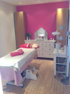 Main Beauty Room x