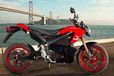 Die Zero S hat eine Sitzhöhe von 832 mm bei einem Radstand von 1438. 155 Kg bringt das Elektro-Bike auf die Waage.