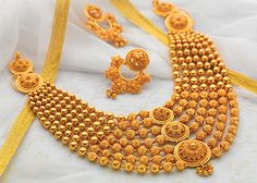 Purchase handmade jewelry sets with best designs for the bride at very low cost and best quality. Gold Jewellery Design, Gold Jewelry, Jewelry Sets, Hair Jewellery, Jewelry Storage, Jewelry Stand, Temple Jewellery, Swarovski Jewelry, Trendy Jewelry