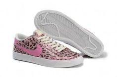 Damen Nike Blazer Low Weinlese Ausbilder Druck gold rosa