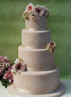 30 Most Creative and Pretty Wedding Cakes - MODwedding