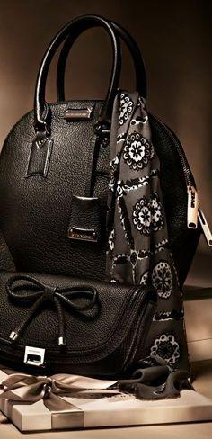 Black & White ♠ Burberry
