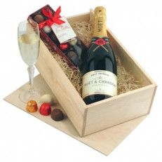 Champagne and Chocolates Gift Box A winning combination! Presentation wooden gift box with a full bottle of the brand leader Moet Chandon Champagne together with a presentation box of the finest Belgian chocolates day Chocolate Gifts Uk, Valentine Chocolate, Wooden Gift Boxes, Wooden Gifts, Moet Chandon, Online Gifts, Personalized Gifts, Champagne, Happy Birthday