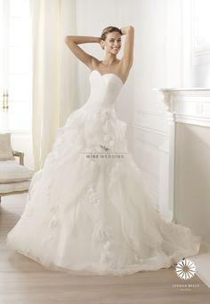 Korea prewedding Dress (Gown) and Suit :) Contact:mine@minewedding.com WebSite:http://www.minewedding.com