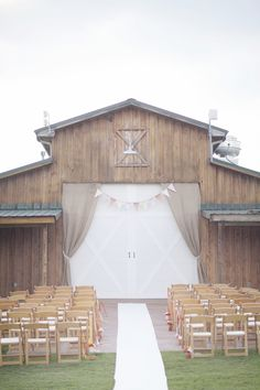 Barn Wedding...if we close the door and have the ceremony in front of the barn..reception under the Cocina!!