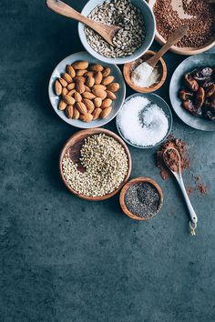 Grain-free granola ingredients #hormonebalance #glutenfree #detox #breakfast | TheAwesomeGreen.com