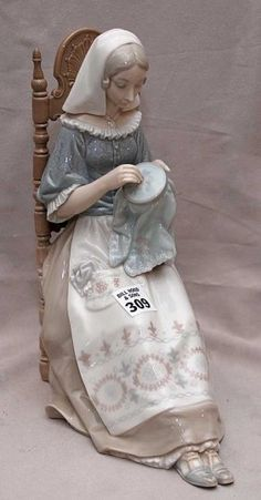 I have this gorgeous Lladro too