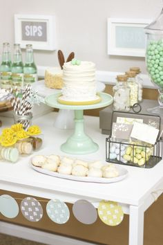 A Minted Easter Fete: Styled by Amy Ehmann, Design Lotus;  Assistant Styling by Brooke Chandler, Paper & Parcel;  Photography by Ashley Swapp