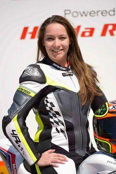 Kapcsolódó kép Biker Girl, Sport Bikes, Wicca, Motorbikes, Motorcycle Jacket, Google, Girls, Sports, Jackets