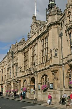 Oxford Town Hall - This magnificent Victorian building not only continues to play a key role in the management, social and cultural life of residents and visitors but is also a versatile venue and home of the Museum of Oxford.