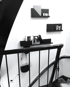 vosgesparis: Muuto folded shelves at Mobilia Interior Architecture, Interior Design, Shop Interiors, Wall Storage, Everyday Objects, Scandinavian Design, Guest Room, Shelving, Minimalism
