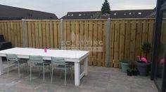 Deze tuin helemaal nieuw en vol privacy met een nieuwe hout-beton schutting!