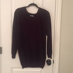 ARITZIA TNA maroon sweater Gorgeous color! This is a great slouchy sweater. In great condition and hardly worn. TNA Sweaters Crew & Scoop Necks