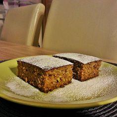 Konyhamesék: Egyszerű kókuszos-almás sütemény (paleo) Banana Bread, Muffin, Food, Essen, Muffins, Meals, Cupcakes, Yemek, Eten