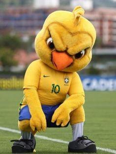 Canarinho Pistola é o mascote mais bolado que o Brasil já teve cef03d04ee4b6