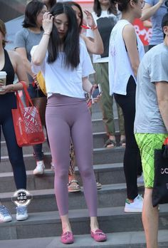 Sporty Outfits, Hot Outfits, Mode Des Leggings, Jean Sexy, Asian Lingerie, Korean Girl Fashion, Girls In Leggings, Sexy Jeans, Sexy Asian Girls