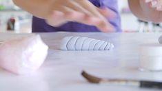 Prepare to Be Mesmerized by This Unicorn Cake Tutorial - Backen - Unicorne Cake, Cupcake Cakes, Car Cakes, Fondant Cakes, Fondant Bow, Marshmallow Fondant, Lego Cake, Minecraft Cake, Fondant Flowers